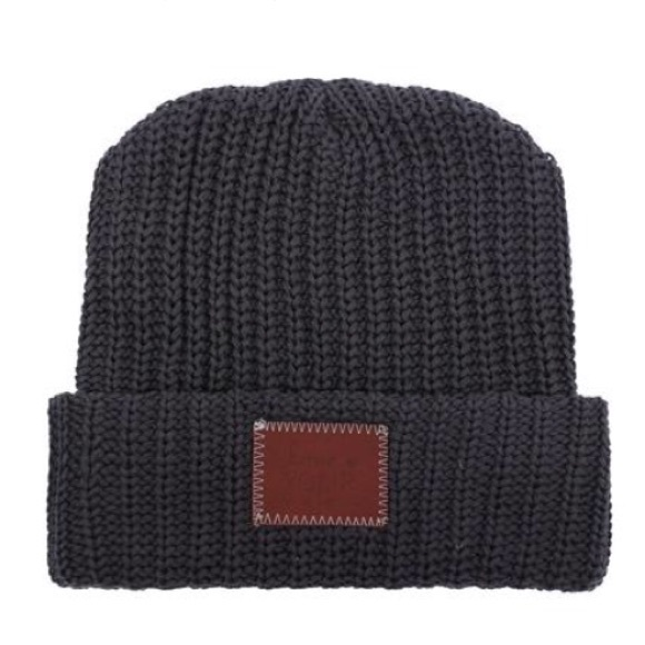 love your melon Accessories - NWOT Love your melon DARK CHARCOAL CUFFED  BEANIE 8d912f7dca99